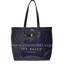Дамска чанта в тъмно синьо - лак