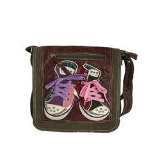 Спортна чанта в ярки цветове