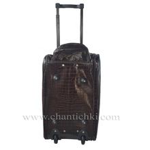 Пътна чанта с колела в тъмно кафяво - лак