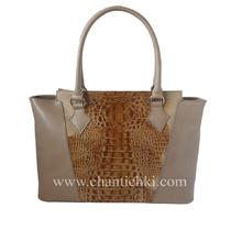 Дамска чанта изработена от висококачествена естествена кожа