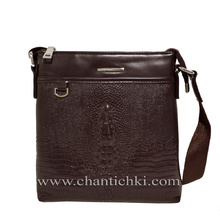 Мъжка чанта от еко кожа в тъмно кафяво